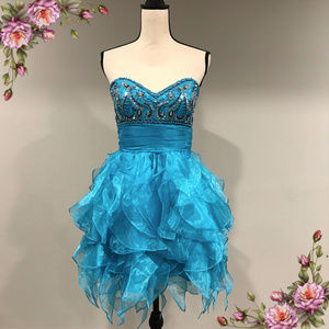 Short, flowy, formal prom dress